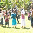 GAME. Kelas Komunitas bermain bersama Darmawan Denassa di Rumah Hijau Denassa (RHD)