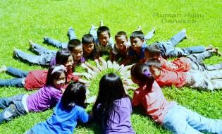 Sesi interaksi Kelas Komunitas di Rumah Hijau Denassa (14072013)