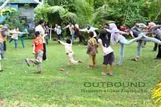 Menyegarkan suasana pelatihan salah satu tujuan Outbound di Rumah Hijau Denassa (RHD)
