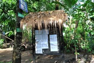 Majalah dinding di Rumah Hijau Denassa dimanfaatkan juga sebagai papan informasi
