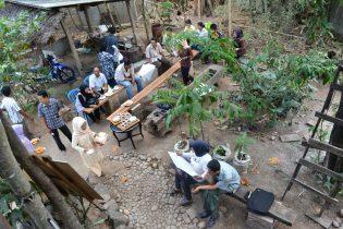 RHD. Tempat Diskusi di Rumah Hijau Denassa (RHD)