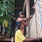 RHD. Suasana Pemasangan Dinding Depan Bimbi Room di Rumah Hijau Denassa (RHD)