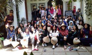 RHD. Siswa Celebes Global School (CGS) Makassar saat Mengikuti Study Visit di Rumah Hijau Denassa (RHD)