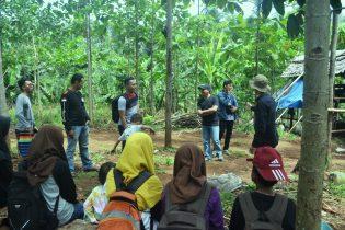 RHD. Jelajah Relawan Perpustakaan Denassa di Ko'mara bertemu Pengunjung Lain (08.10.2017)
