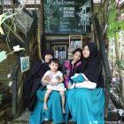 RHD. Guru PAUD Dunia Anak Islam BTP Makassar saat Kunjungan Lokasi ke Rumah Hijau Denassa (23.11.2017)
