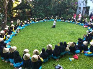 RHD. Siswa MTs Ummul MUkminin Kelas 7 di Rumah Hijau Denassa (13.04.2018)