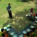 RHD. Darmawan Denassa Bersama Siswa SD Inpres Mallengkeri Makassar di Rumah Hijau Denassa (03.11.2018)