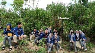 RHD. Mahasiswa Kelas B Semester Tiga, Prodi MICE, Poltekpar Makassar Saat Cek Lokasi di Sawahku